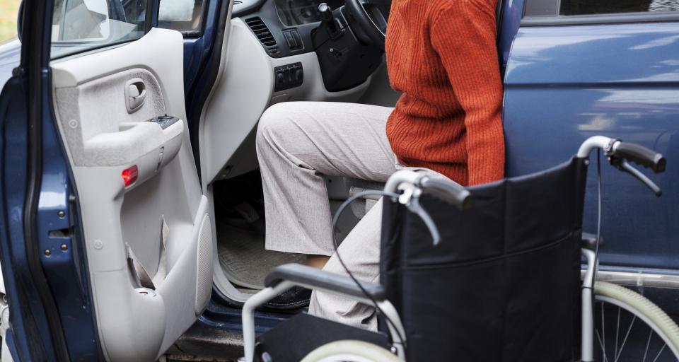 NIK: niepełnosprawni mają problem z komunikacją miejską
