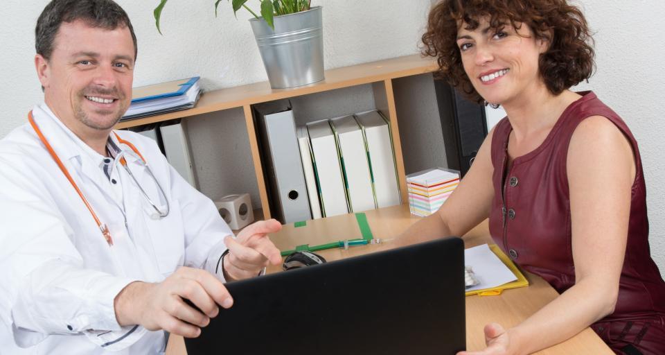 Ministerstwo Zdrowia wybrało realizatorów programu prokreacyjnego