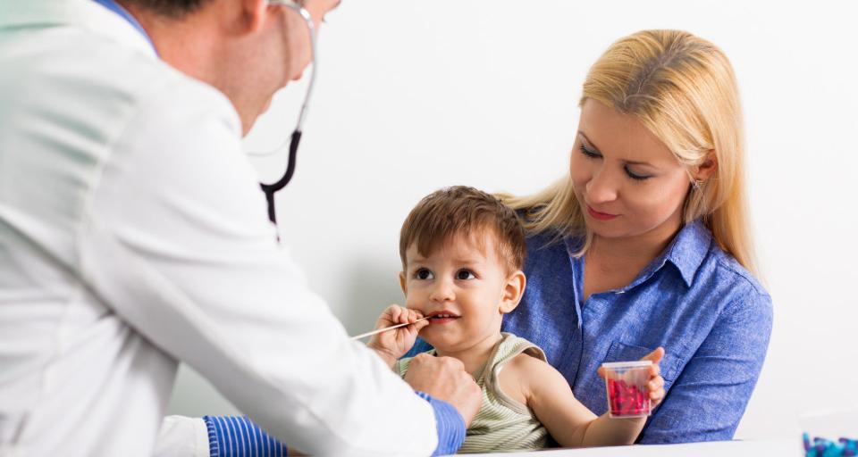 Lekarze rodzinni protestują przeciwko podważaniu ich kompetencji do leczenia dzieci