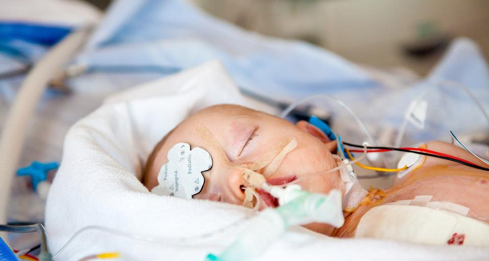 Kielce: szpital wojewódzki leczy coraz więcej noworodków