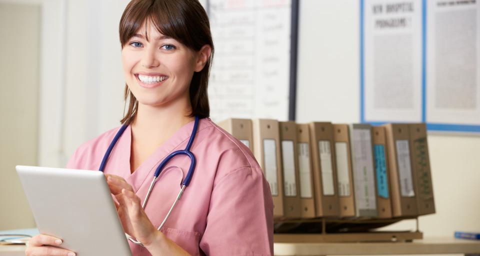Dyrektorzy szpitali: Będziemy likwidować łóżka, bo jest za mało pielęgniarek, by spełnić normy zatrudnienia