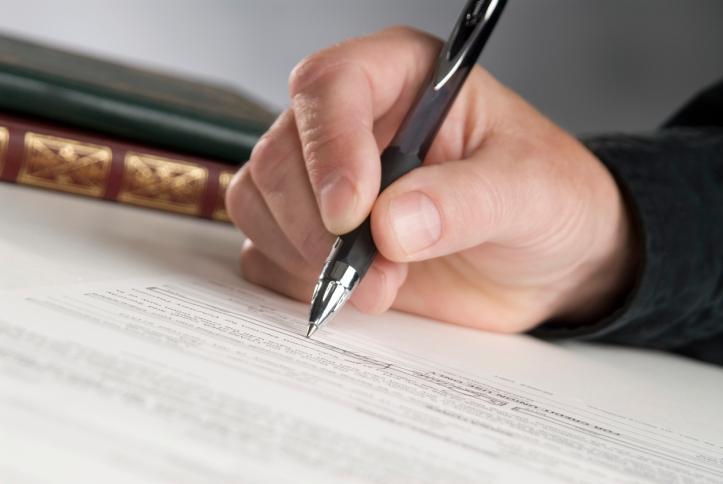 Przyczyna wypowiedzenia decyduje o trybie rozwiązania umowy o pracę