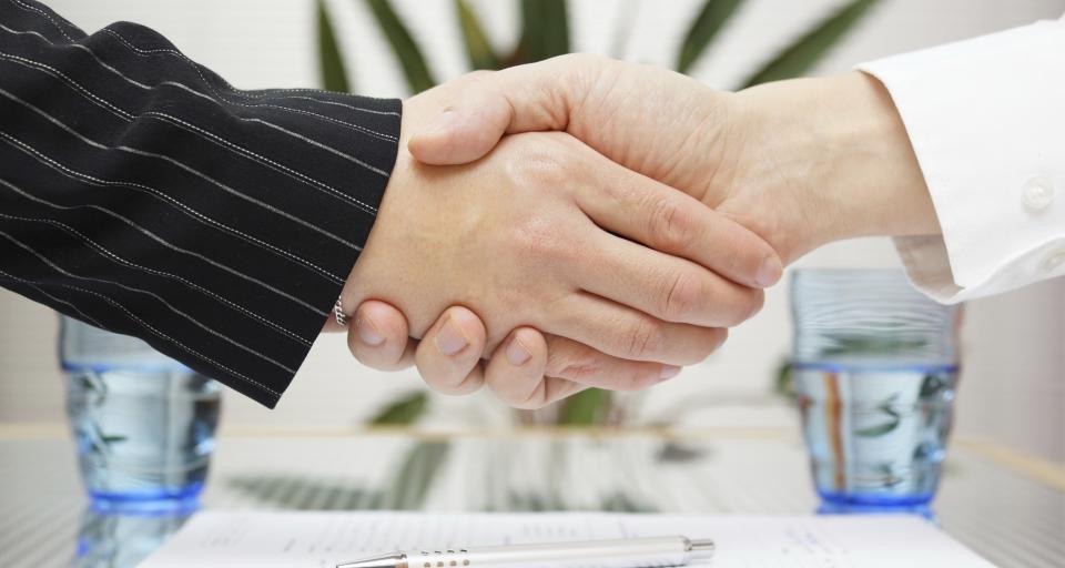 Poznaj obowiązki pracownika i pracodawcy przy rozwiązaniu umowy o pracę