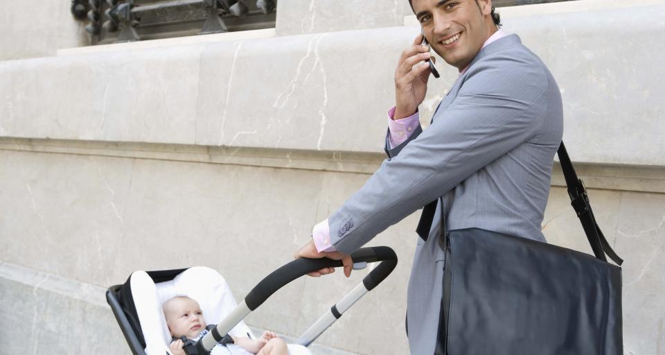 W 2017 r. z urlopów rodzicielskich skorzystało 2 tys. mężczyzn