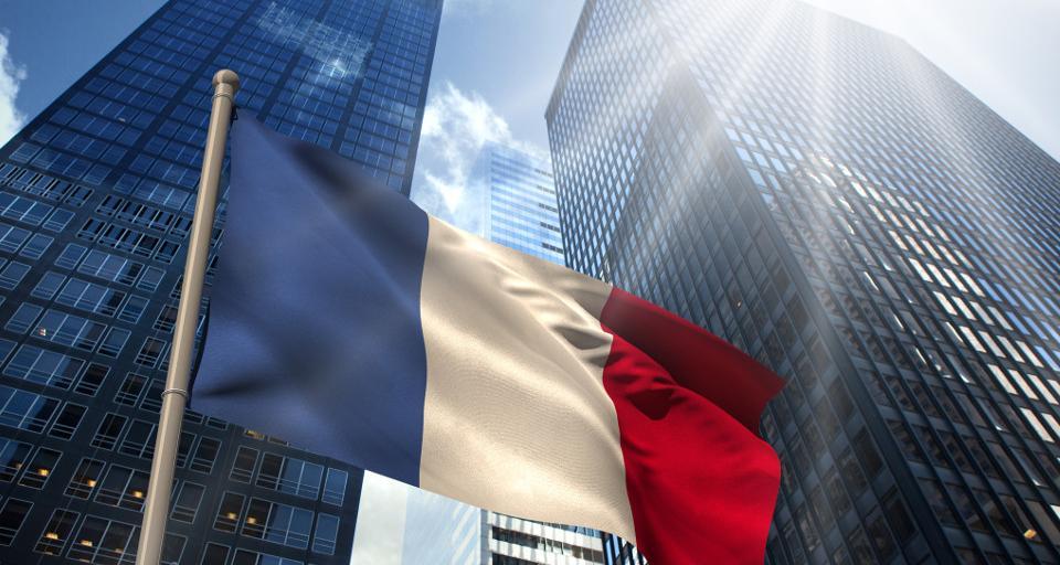 Macron oskarża Polskę o dumping socjalny