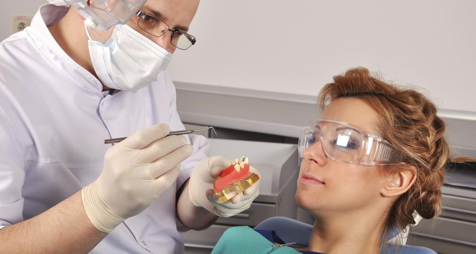 Czy znajdą się chętni do pracy w szkolnych gabinetach dentystycznych?