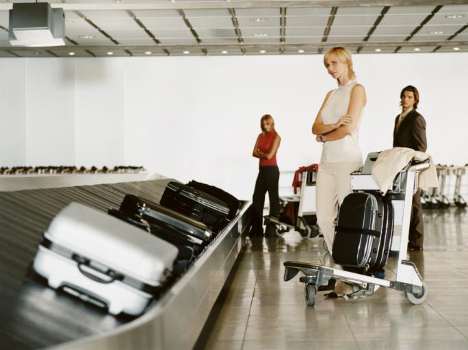 Biuro podróży powinno ustalić, gdzie jest zagubiony bagaż