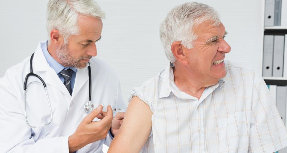 Lekarze toczą spór z aptekarzami o sprzedaż szczepionek