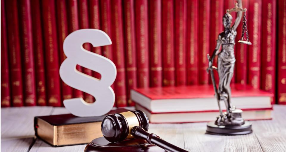 Wiceszef MON: Rząd nie wycofuje się z reformy wymiaru sprawiedliwości