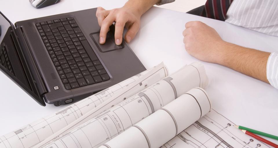 Kto może wykonać charakterystykę energetyczną zawartą w projekcie budowlanym?
