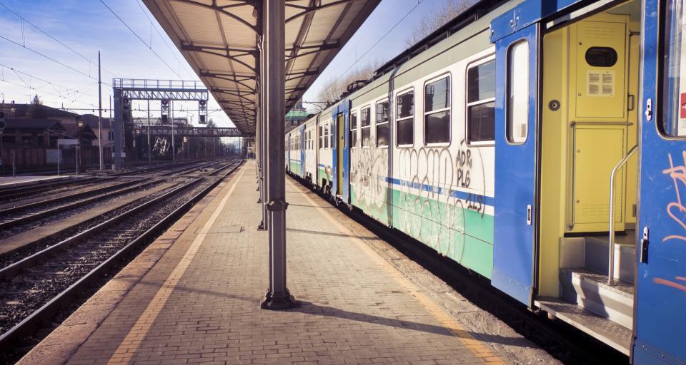 Pasażer nie musi badać czy schody w pociągu są sprawne