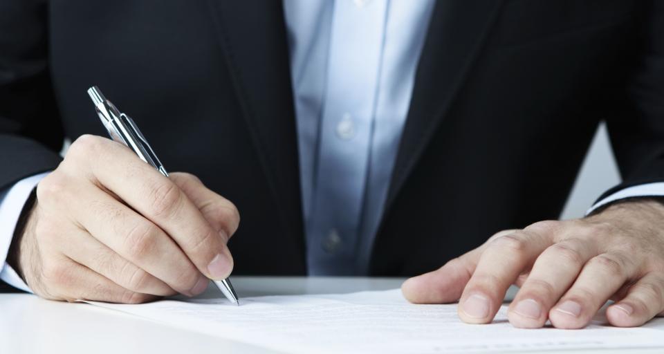 Czy podatnik może sam dopisać brakujący numer NIP na fakturze?