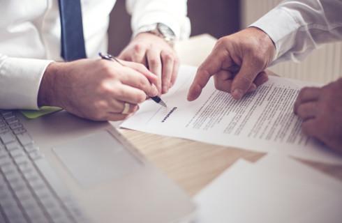 SA: Nieważność umowy mimo prawidłowego aneksu