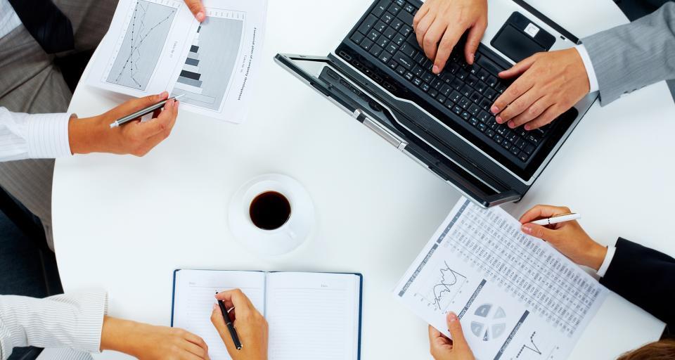 Firmy boją się zmian w podatkach i wysokich kosztów zatrudnienia