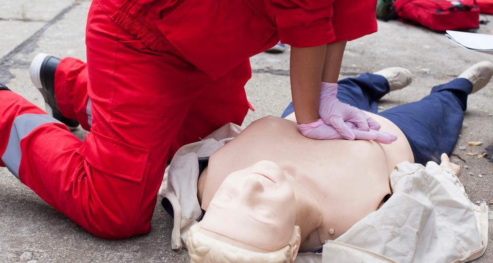 Kilkuset ratowników medycznych z nielegalnymi certyfikatami zawodowymi