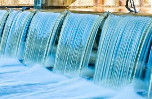 Będzie droższa woda dla producentów napojów i leków?