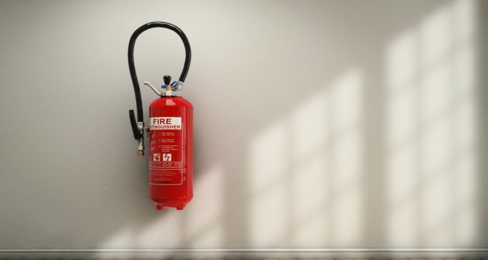 Po pożarze w Koszalinie: Kontrole, ostrzeżenia i zapowiedzi zmiany przepisów budowlanych i BHP