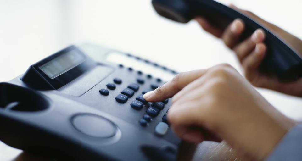 UOKiK: Można odstąpić od umowy na zakup przez telefon filtra wody