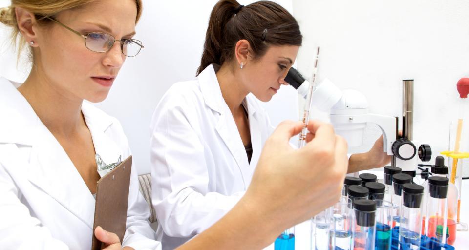 W laboratorium w Bydgoszczy będą wykrywać wirusy przenoszone przez żywność pochodzenia roślinnego