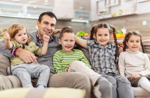 RPO alarmuje: Emerytura dla matek dyskryminuje ojców
