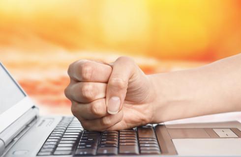 UOKiK ukarał firmy za fikcyjne konkursy w internecie