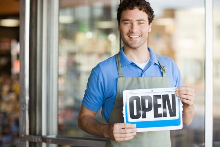 Sklep z agencją pocztową może handlować w niedzielę