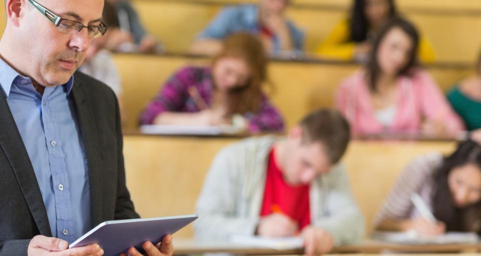 Oddzielne zajęcia dla stacjonarnych i zaocznych - studenci, zamiast zyskać, stracą