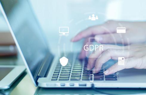 Z firmą prowadzącą szkolenia BHP trzeba zawrzeć umowę powierzenia danych
