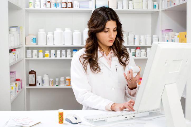 Samorząd doradza aptekarzom, jak po 9 lutego wydawać leki bez kodów