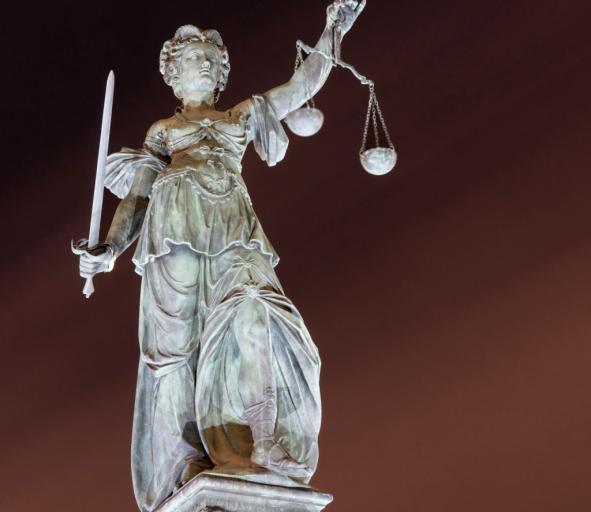 Sędzia i prokurator nie mogą być karani za oceny, a nawet za głupotę