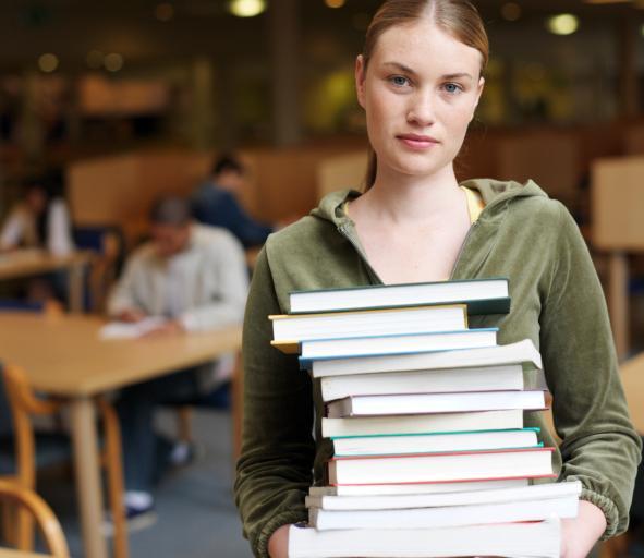 Większość studentów pracuje, co piąty zarabia ponad 4000 zł