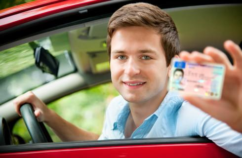Prawo jazdy zostawimy w domu, ale jeszcze nie teraz