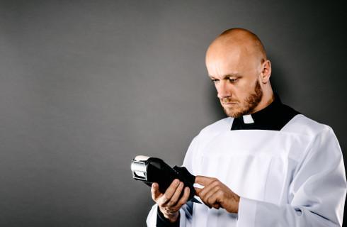 Dziewięciu księży wspiera urzędników skarbowych