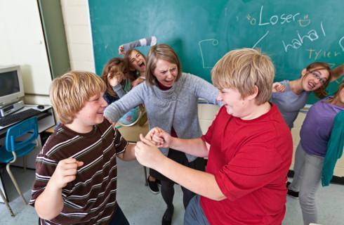 Nauczyciel nie znajdzie i nie zabierze uczniowi noża