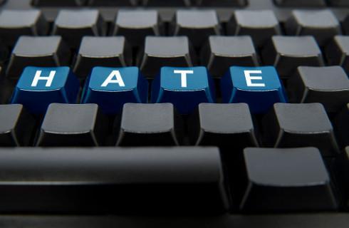 Rzecznik TSUE: Facebook ma wyszukiwać i kasować zniesławiające komentarze