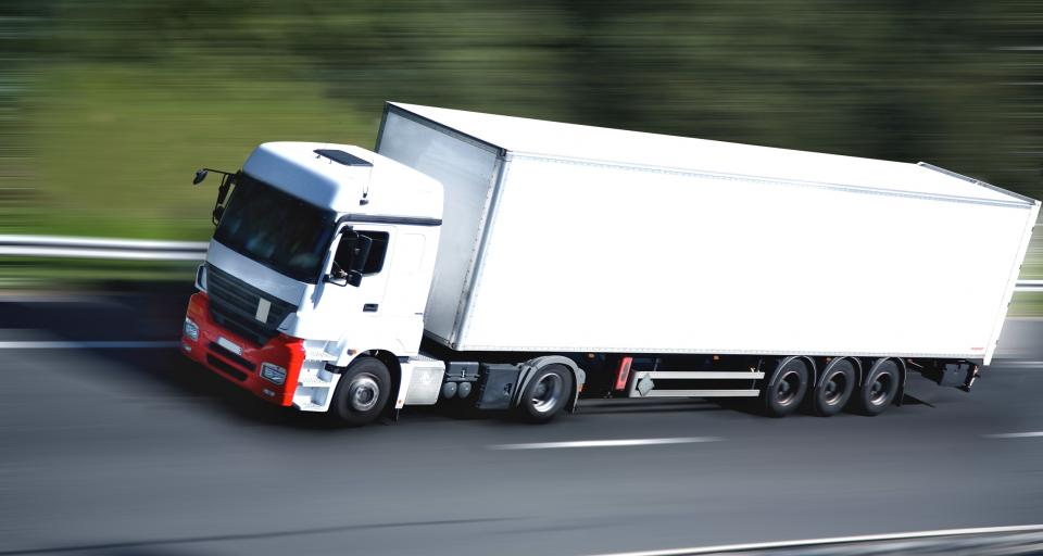 Unijne przepisy o przewoźnikach drogowych mogą trafić do TSUE