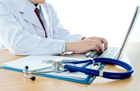 MZ: Prawie wszyscy lekarze wystawiają już e-zwolnienia