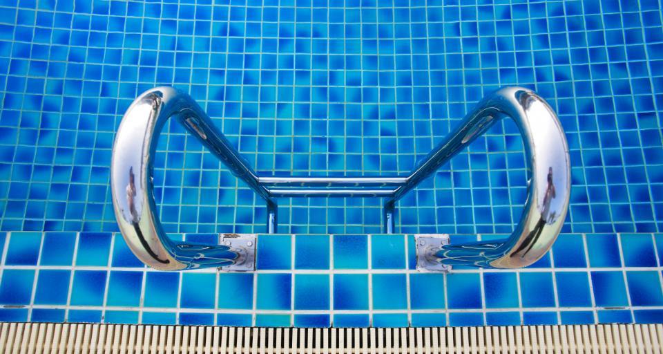 Miasto zapłaci za wypadek na basenie
