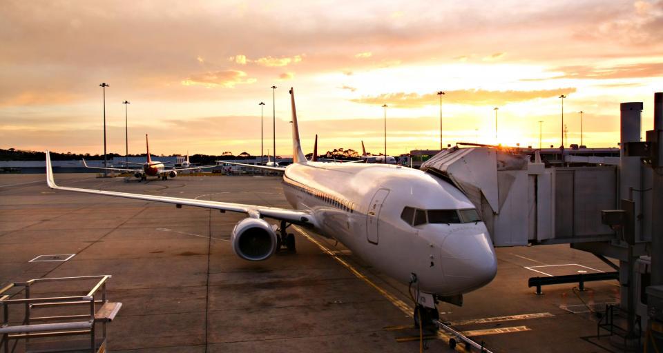 TSUE: Pasażer bez odszkodowania za opóźnienie lotu przez paliwo na pasie startowym
