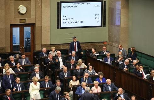 Sejm: 884 ustaw i 378 uchwał w tej kadencji