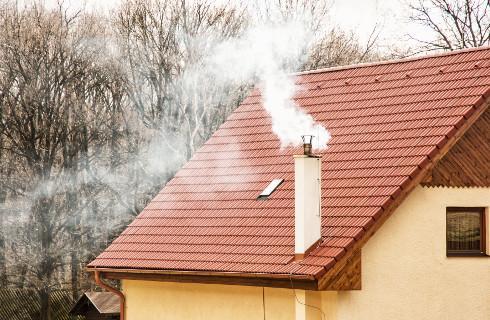 Od 1 września w Krakowie całkowity zakaz palenia węglem i drewnem