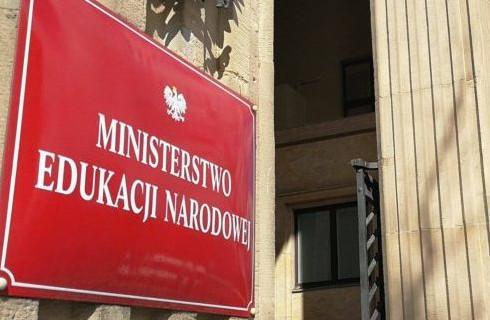 Pozew metropolii o zwrot kosztów zmian w szkołach wkrótce trafi do sądu