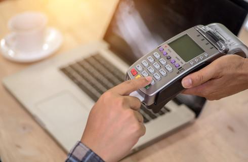 Od soboty więcej zabezpieczeń przy e-płatnościach