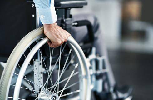 Sto procent zwrotu kosztów usług asystenta niepełnosprawnego - od października