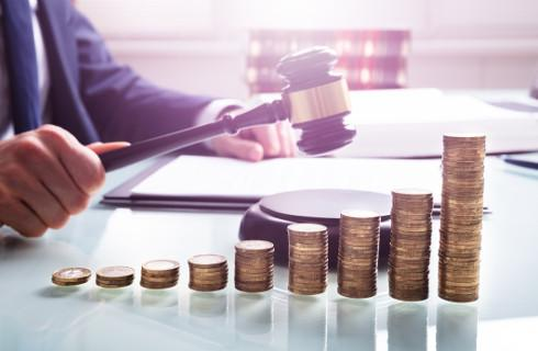Kolejne sądy unieważniają umowy o tzw. polisolokaty