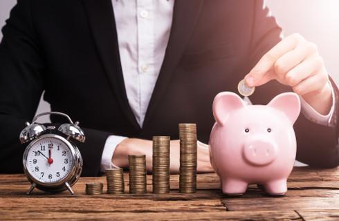 Pensje nauczycieli niskie i prawie nie rosną