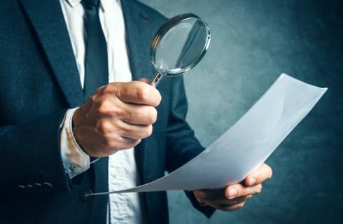Radcowie prawni szukają sposobów na pozyskanie klienta