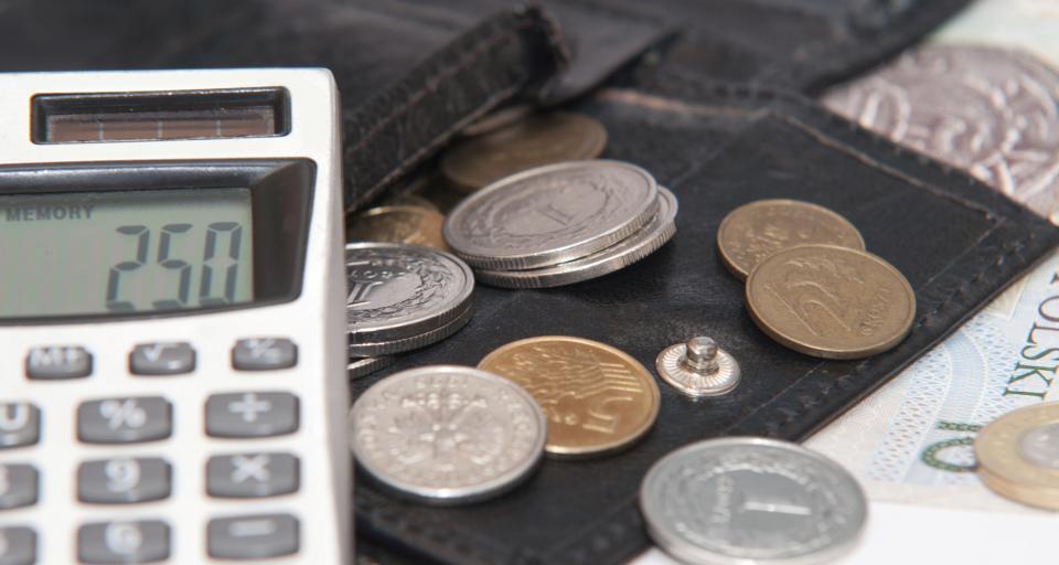 Klasowe pieniądze u pośrednika, ale bezpieczne