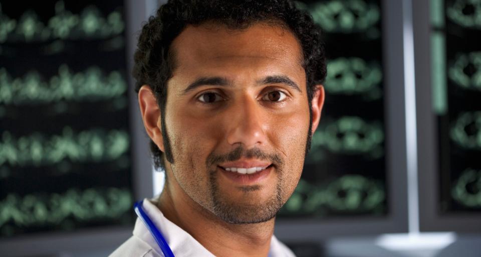 Złagodzą przepisy, by ściągnąć do pracy lekarzy cudzoziemców