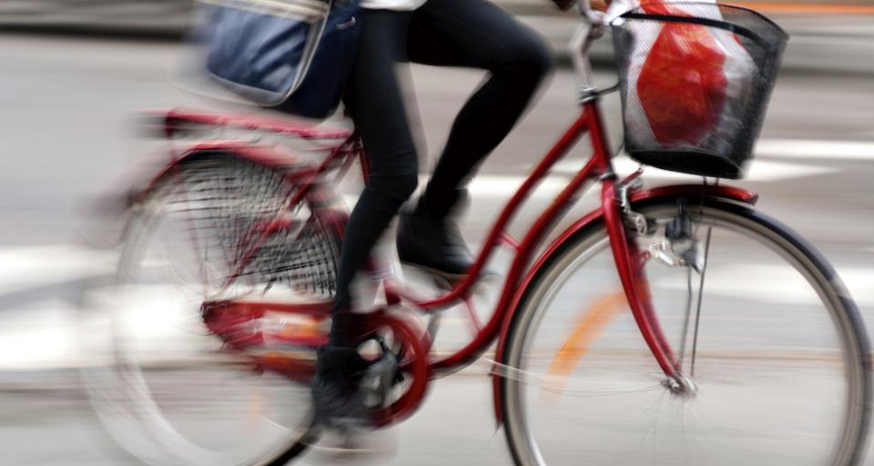 SA: Rowerzysta wjechał w dziurę na jezdni - winny zarządzający drogą
